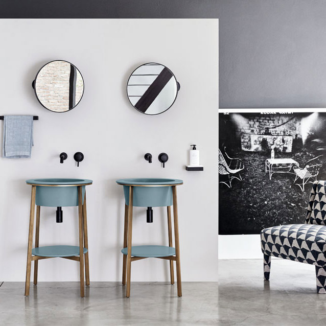 Amenajarea moderna a baii , stil minimalist .