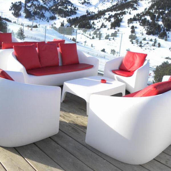 STUDIOCERAMICA-design-outdoor-furniture-solid-blow-sofa-table-riba-excorchada-vondom-4.jpg