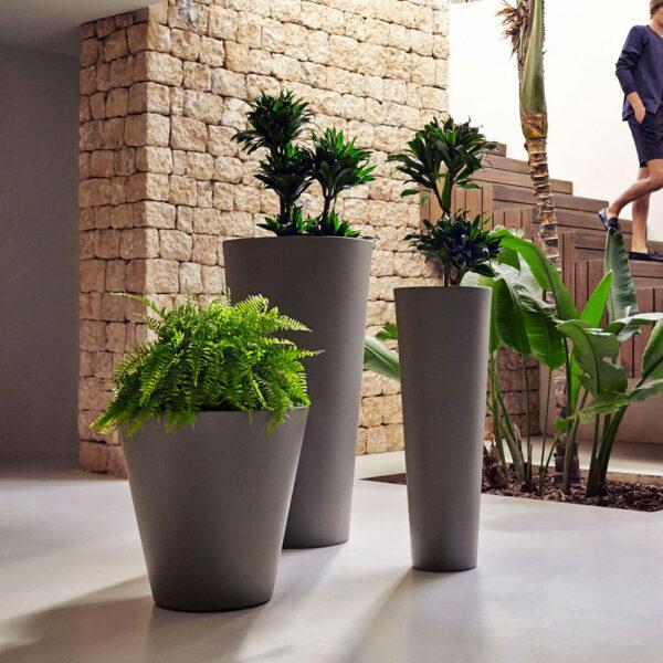 STUDIOCERAMICA-exclusive-outdoor-furniture-designplanters-studioplanters-vondom.jpg