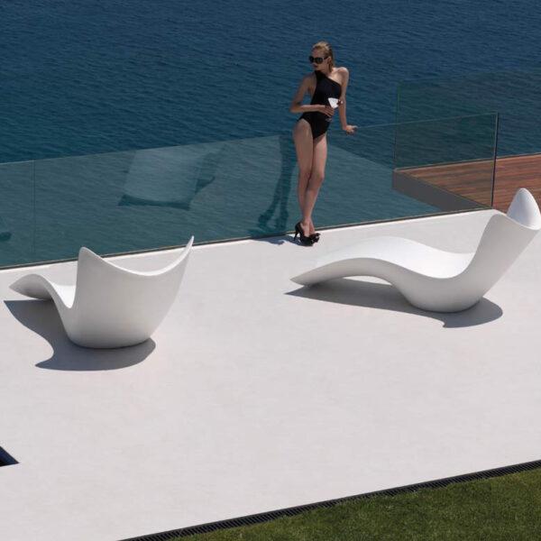 STUDIOCERAMICA-luxury-outdoor-design-furniture-sunchaise-surf-karimrashid-vondom-2.jpg