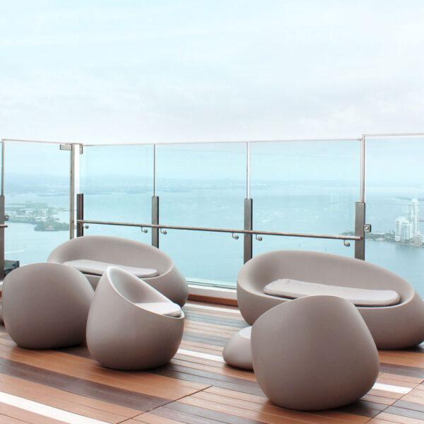 STUDIOCERAMICA-outdoor-design-furniture-sofas-sunbed-stones-frame-hotel-estelar-cartagena-colombia-vondom-1.jpg