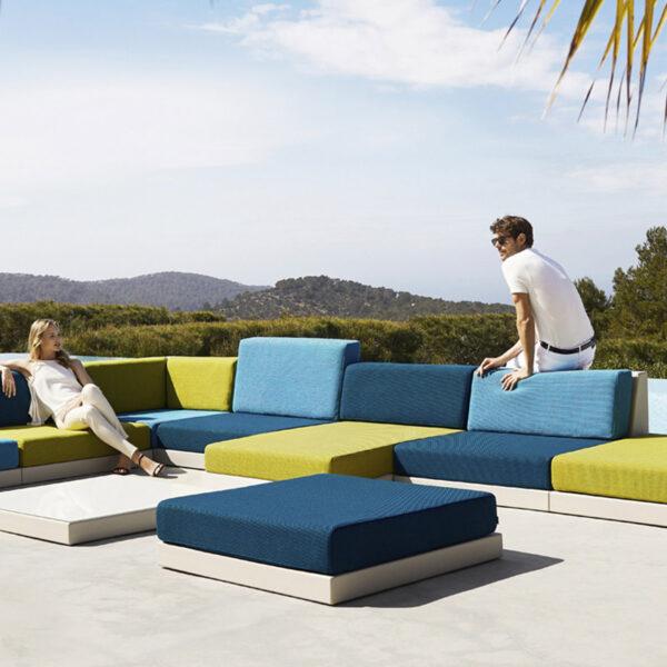 STUDIOCERAMICA-outdoor_sofa_furniture_vondom_sofa_exterior_pixel_ramon_esteve-1.jpg