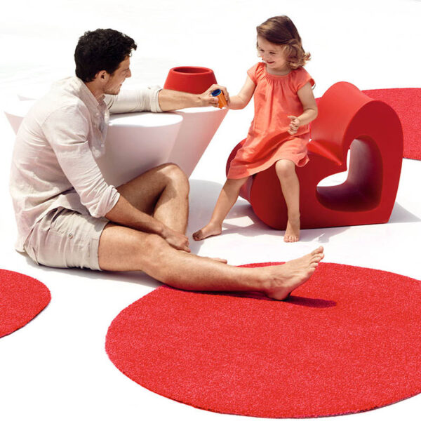 studioceramica-childrenfurniture-exclusive-outdoor-furniture-chair-outdoordesigrug-carpet-agatha-agatharuizdelaprada-vondom-2.jpg