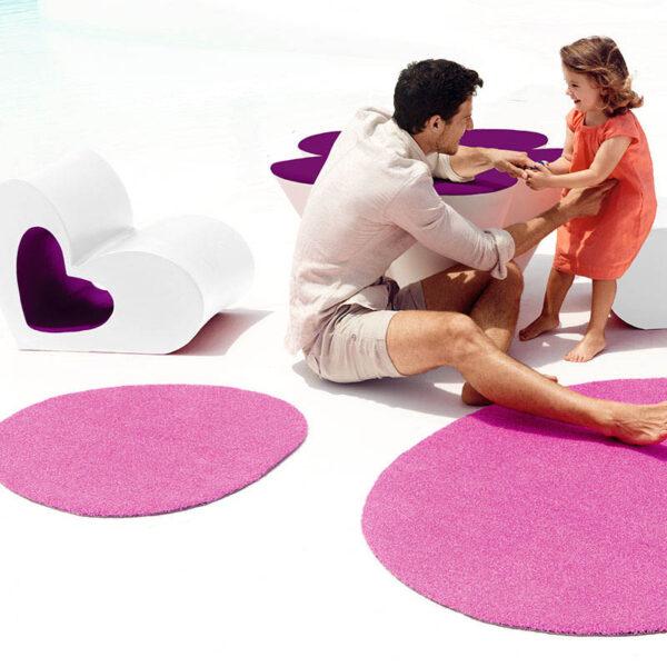 studioceramica-childrenfurniture-exclusive-outdoor-furniture-chair-table-outdoordesigrug-carpet-agatha-agatharuizdelaprada-vondom-1.jpg