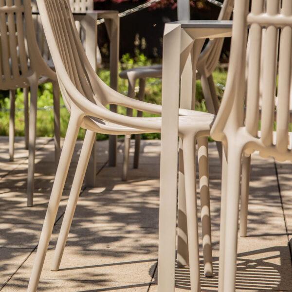 studioceramica-contract-outdoor-design-furniture-restaurant-fittings-hospitality-project-chairs-ibiza-table-quartz-KRATKY-KAFE-vondom-1.jpg