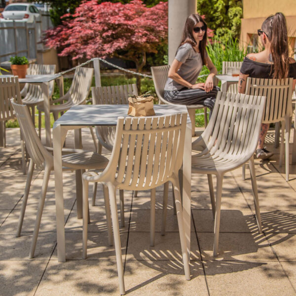 studioceramica-contract-outdoor-design-furniture-restaurant-fittings-hospitality-project-chairs-ibiza-table-quartz-KRATKY-KAFE-vondom-4.jpg
