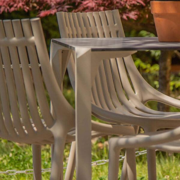 studioceramica-contract-outdoor-design-furniture-restaurant-fittings-hospitality-project-chairs-ibiza-table-quartz-KRATKY-KAFE-vondom-8-scaled-1.jpg