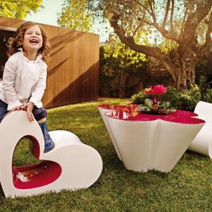 studioceramica-design-outdoor-furniture-child-chair-table-agatharuizdelaprada-vondom2.jpg