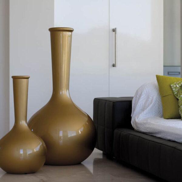studioceramica-design-planters-flask-chemistubes-teresasapey-vondom.jpg