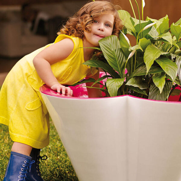 studioceramica-jucarii-copii-design-pots-planters-outdoor-agatha-ruiz-de-la-prada-vondom-3.jpg