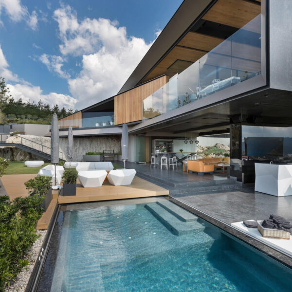 studioceramica-luxury-outdoor-furniture-sofas-faz-vondom-ramon-esteve-casa-la-roca-rrz-arquitectos-mexico-23.jpg