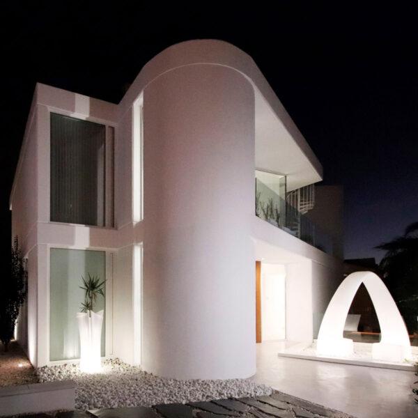studioceramica-outdoor-design-furniture-sofa-chairs-sunbed-wing-rest-casa-lujan-vondom-perreta-arquitectura6.jpg
