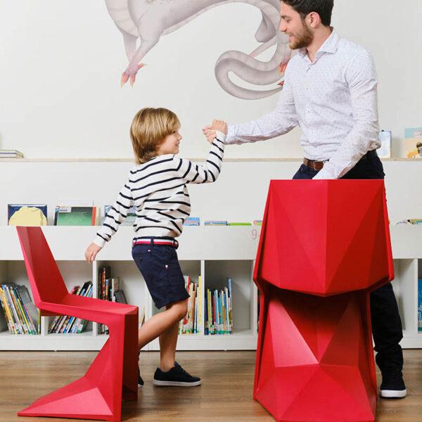 studioceramica-stackable-chairs-design-hospitality-furniture-voxel-karim-rashid-vondom-1.jpg