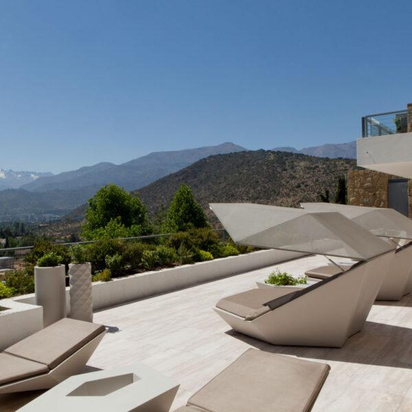 studioceramica-terraza-a-cordillera-de-los-andes-chile-jorge-fuentes-vondom-4.jpg