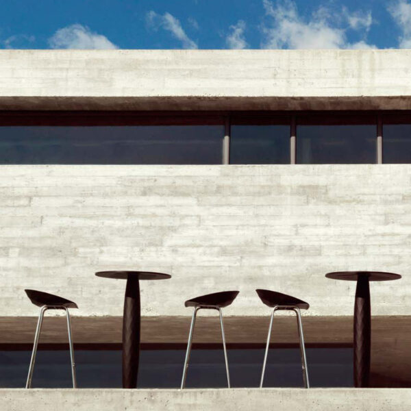 STUDIOCERAMICA-hospitality-furniture-design-bar-stool-table-vases-estudihac-vondom-1.jpg