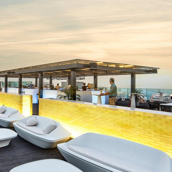 barexterior-vondom-outdoor-luxury-furniture-sofas-ufo-ora-ito-lotte-hotel-hanoi-contract-project.jpg