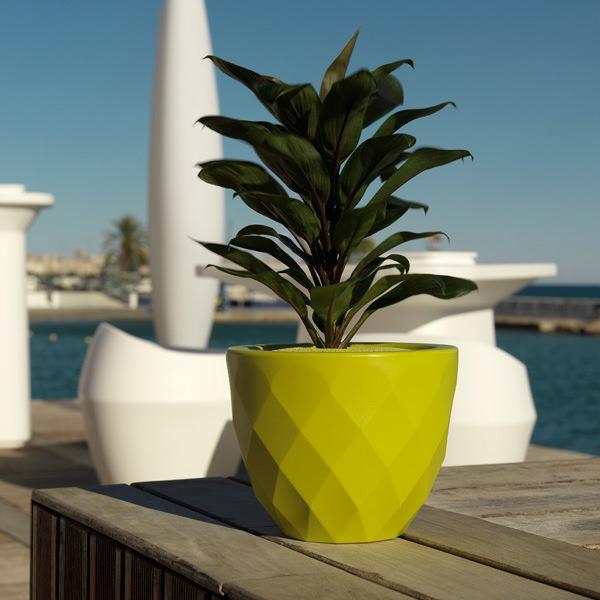ghivechi-studioceramica-design-planters-vases-jmferreo-estudiah-vondom-4.jpg