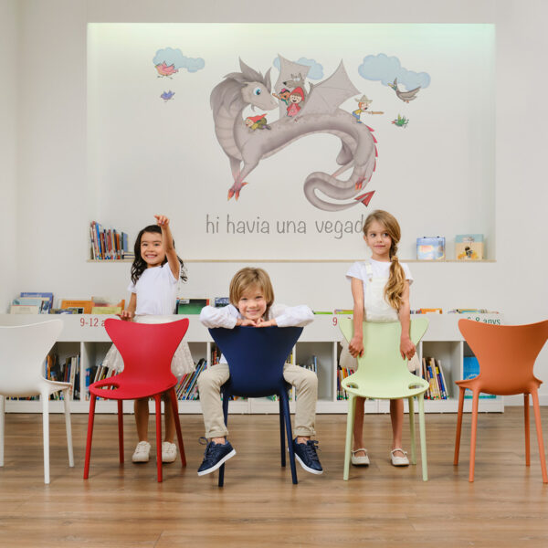 scauncecopii-studioceramica-commercial-contract-outdoor-furniture-stacktable-chairs-eugeni-quitllet-vondom-1.jpg