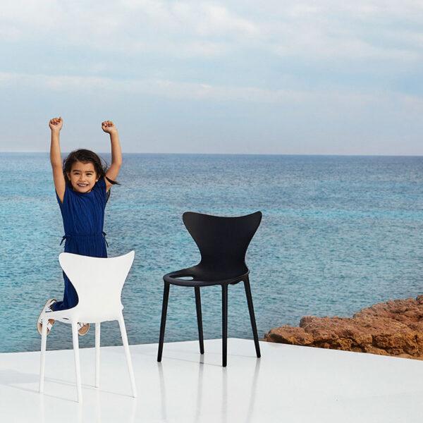 scaunecopii-chairs-childrens-furniture-design-hospitality-contract-love-eugeni-quitllet-vondom-14.jpg