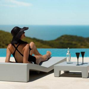 sezlong-studioceramica-design-outdoor-furniture-table-sunchaise-jut-vondom-3.jpg