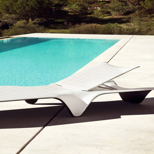 sezlonjplaja-studioceramica-sun-lounger-outdoor-design-furniture-f3-fabio-novembre-vondom-3.jpg