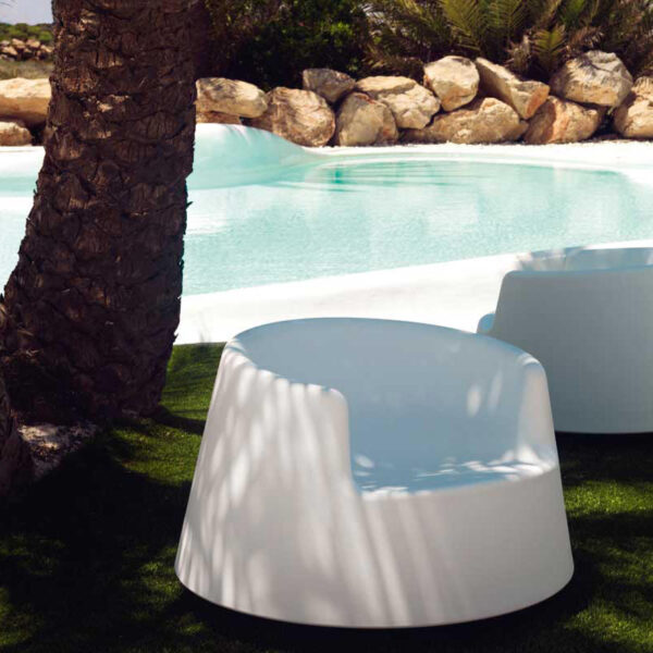 studioceramica-fotoliu-exterior-design-outdoor-furniture-roulette-eeroaarnio-vondom-2.jpg