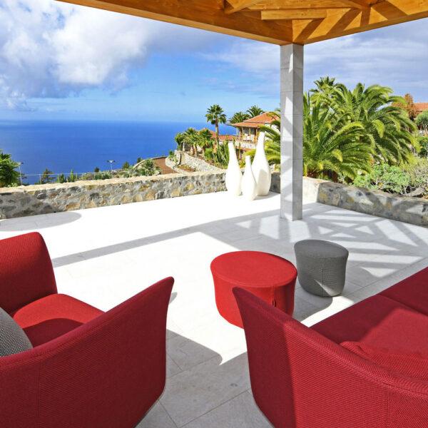 studioceramica-luxury-outdoor-design-furniture-sofa-suave-marcel-wanders-vondom-villa-finca-lomo-felipe-4.jpg