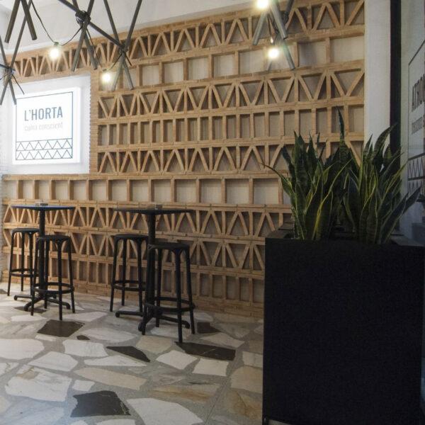 studioceramica-mobila-contract-design-furniture-hospitaly-project-seating-bar-stool-brooklyn-eugeni-quitllet-pots-planters-vela-vit.jpg