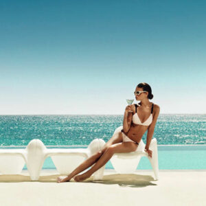studioceramica-sezlong-outdoorfurniture-luxuryfurniture-armcahir-table-f3-fabionoviembre-vondom.jpg